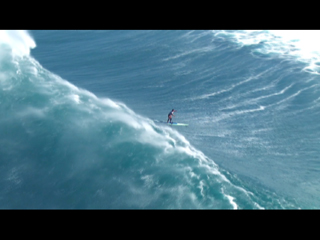 SUP in huge waves